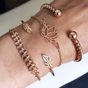 🎀 NEW • Set of 4 Leaves & Crystal Bracelets •